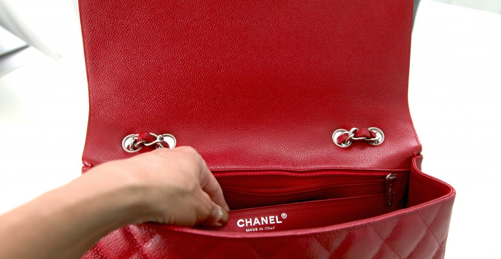 ad832733550b How to spot a fake Chanel? See it in pictures here!